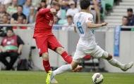 Wayne Rooney san bằng thành tích ghi bàn của Lineker
