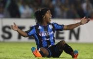 Pha ăn vạ đáng quên nhất trong sự nghiệp Ronaldinho