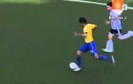 Kaka làm khổ hàng thủ Argentina