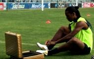 Ronaldinho (Barcelona 2005) chinh phục thử thách xà ngang