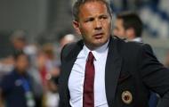 Thắng trận đầu tiên, nhưng các cầu thủ Milan vẫn bị mắng