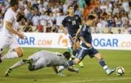 Vào sân được 10 phút, Messi lập ngay cú đúp