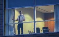 Điểm tin hậu trường 15/09: Sợ bị nghe lén, nhân viên M.U lục soát khách sạn