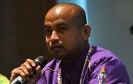 Bóng đá Thái Lan rối ren khi trợ lý mâu thuẫn với Kiatisak