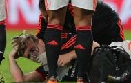 """M.U nổi điên với UEFA vì vinh danh kẻ """"triệt hạ"""" Luke Shaw"""