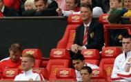 Depay, Rooney đưa Man Utd lên đỉnh bảng