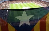"""Không ngán UEFA, Barcelona tiếp tục """"chơi"""" chính trị"""