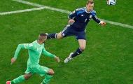 Tình huống bắt bóng láu cá của Neuer