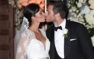 Lampard hôn vợ mọi lúc mọi nơi trong ngày cưới