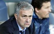 """Mourinho, Giggs & những HLV đang """"xếp hàng chờ"""" thay thế Van Gaal"""