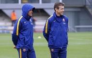 HLV Enrique đội mưa cùng Barcelona tập luyện trước derby