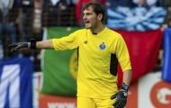 Iker Casillas được gọi vào La Roja: Cố đấm ăn xôi