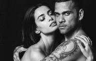 """Điểm tin hậu trường 23/5: CR7 """"cảm nắng"""" nữ fan cuồng Barca; Alves khoe ảnh nude cùng bồ"""