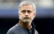 Điểm tin sáng 27/05: Mourinho chính thức ký hợp đồng với M.U, Kaka dự Copa, Bellerin sắp trở lại Barca