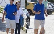 Bị M.U sa thải, Van Gaal như trẻ lại khi bên vợ