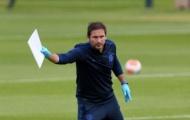Kante tái xuất, Chelsea thắng nhẹ trước ngày Premier League trở lại