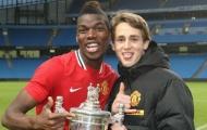 'Paul Pogba sẽ ở lại Man United'