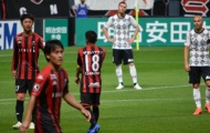 Quá đỉnh! 'Messi Thái' Chanathip đeo băng thủ quân CLB Nhật đối đầu Iniesta