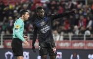 Balotelli bị phạt vì yêu cầu CĐV dừng phân biệt chủng tộc