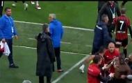 Tự ý rời sân khi đang thi đấu, anh trai Pogba bị đồng đội dọa đánh