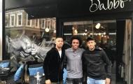 Neymar tranh thủ ngày 'xả trại' thăm quán ăn của Willian