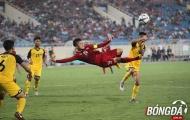 Quang Hải tung người volley điệu nghệ trong ngày U23 Việt Nam 'đánh tennis'