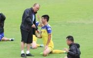 Hai tuyển thủ ĐT Việt Nam đổ bệnh, thầy Park nhận tin không vui trước đại chiến Thái Lan