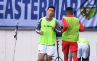 Đoàn Văn Hậu ngồi dự bị trong ngày Heerenveen chen chân vào nhóm dự Europa League