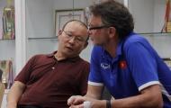 HLV Park Hang-seo 'ủ mưu' đấu Thái Lan cùng trinh thám trở về từ Malaysia