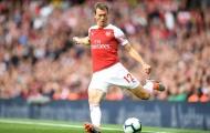 CHÍNH THỨC! Arsenal chia tay cầu thủ thứ ba sau Ramsey và Welbeck