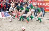 Bỏng mắt với người đẹp body painting đá bóng mừng EURO