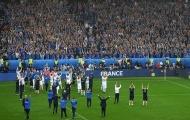 Iceland tạm biệt giải bằng màn vỗ tay thị uy ấn tượng