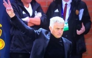 Vì sao Mourinho tiếp tục giơ 3 ngón tay trong thất bại trước Juventus?