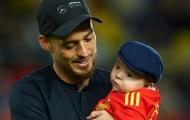 David Silva chia tay La Furia Roja trước sự chứng kiến của con trai