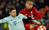 Đồng đội Liverpool nhận xét thật lòng về việc Fabinho đá trung vệ