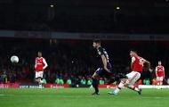 Sao Arsenal được khen: 'Một cậu bé thông minh, một sát thủ trời sinh'