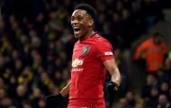 SỐC! Sút hỏng penalty, Martial bị thủ môn đối thủ đối xử không thể tin nổi