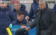 Alli mở tỷ số, Mourinho lập tức giơ nắm đấm ăn mừng với cái tên khó ngờ