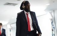 Cựu sao Arsenal mất việc vì lý do lãng xẹt