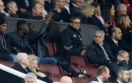 Mourinho ngăn cấm học trò chụp ảnh