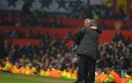 CĐV MU đòi sa thải Mourinho, hy vọng Sir Alex trở lại