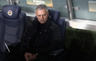 Tham vọng trở thành Sir Alex đang làm hại Mourinho