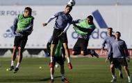 Quyết giành ngôi đầu, Real tập kỹ 'tuyệt chiêu' của Ramos