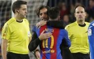 HLV Espanyol 'tâm phục khẩu phục' Messi