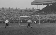 Những thước phim bóng đá cổ: Sheffield United v Bury (1902)