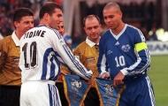 Ronaldo vs Zidane trong trận Ngôi sao châu Âu gặp Ngôi sao Thế giới năm 1997