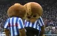 Những khoảnh khắc hài hước của các Mascot trên sân bóng