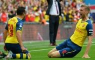 Wenger xác nhận sắp trói chân 2 học trò, không có Sanchez