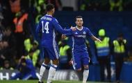 Pedro lập cú đúp, Chelsea đánh bại Peterborough dù chơi thiếu người