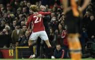Khoảnh khắc ăn mừng vồ vập của Marouane Fellaini với HLV Mourinho